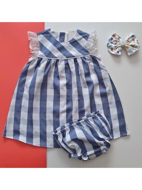 Jesusito Dadati  de cuadros azul y blanco niña