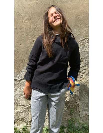 Blusa Pilar Batanero Negra Volante Niña