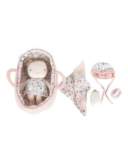 Bebé rosa con canastilla y accesorios